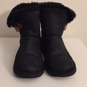 Used UGG black boot big girl Sz 4.